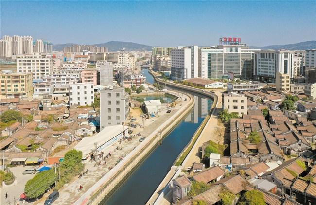 """拆除违建""""黑龙江""""变身""""景观河"""""""