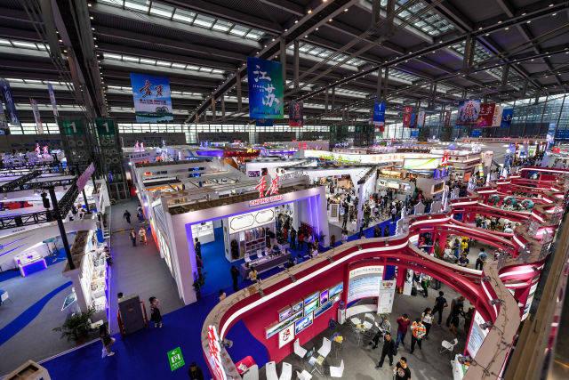 这是5月10日拍摄的第十四届中国(深圳)国际文化产业博览交易会1号展馆现场。新华社记者 毛思倩 摄