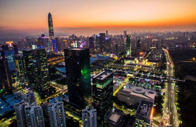2017年2月14日无人机拍摄的深圳市中心。新华社记者毛思倩摄